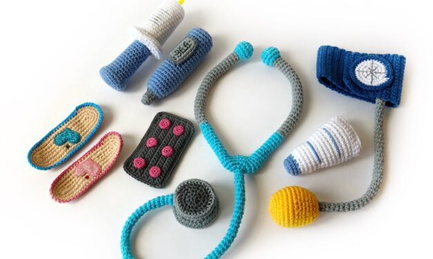 Crochet a Doctor Set, Medical Toy Patterns Perfect For Kids' Play or Cosplay
