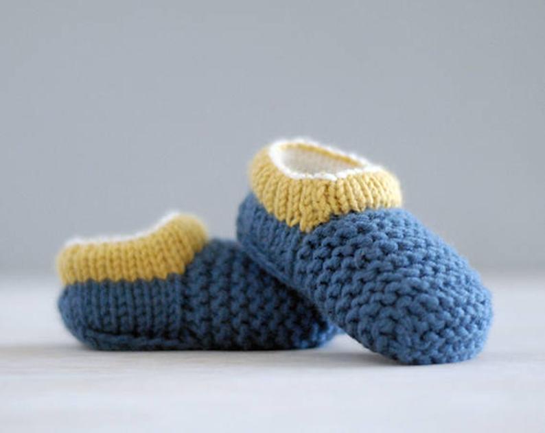 baby shoes designed by Julia Adams #crochet