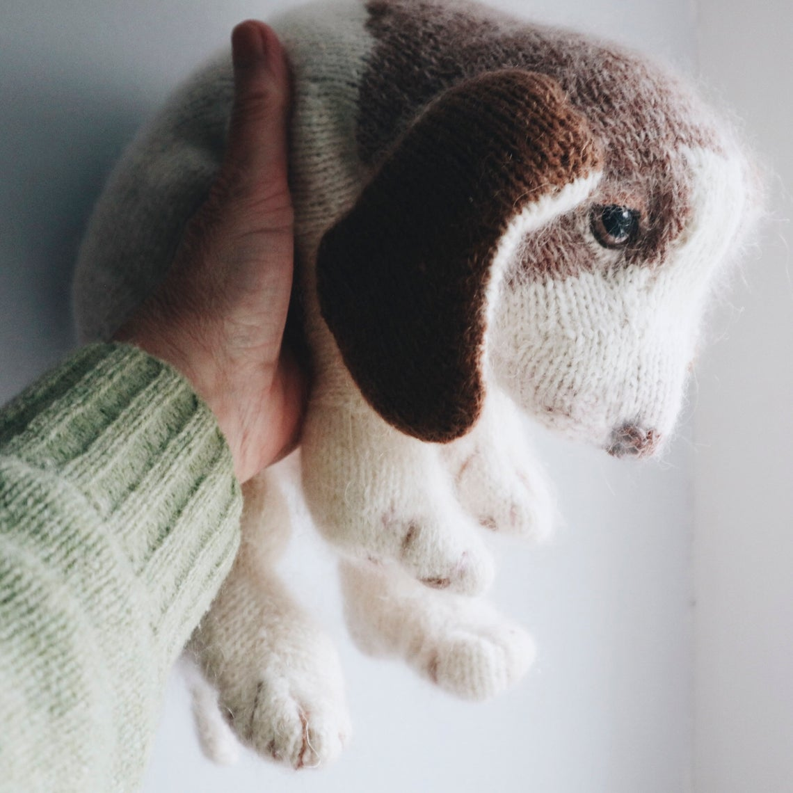 Knit a Cute Beagle Puppy, Pattern Designed By Claire Garland