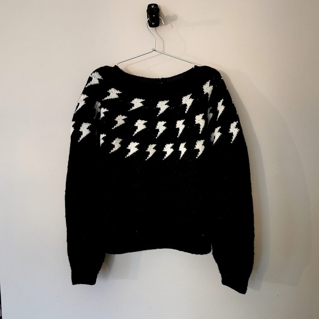 This Sweater Pattern Started Off As A Tribute To David Bowie, Then The Designer Watched Schitt's Creek ...
