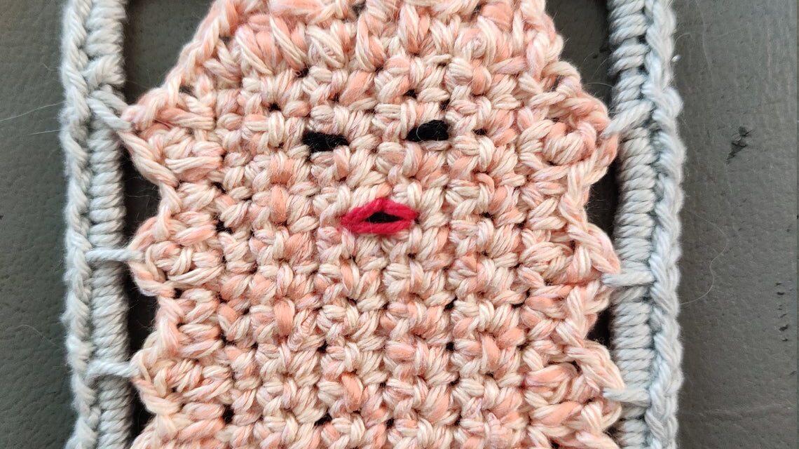 For Fans Of The Ninth Doctor: Crochet a Lady Cassandra, 'Moisturize Me, Moisturize Me!'