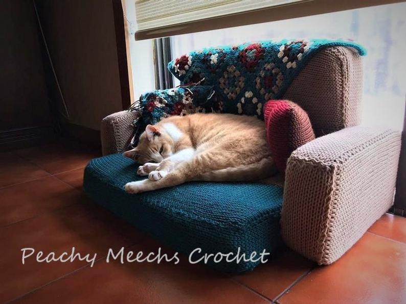 Finally! A Kitty-Cat Couch Pattern For Knitters! Suitable For Other Small Pets Too!