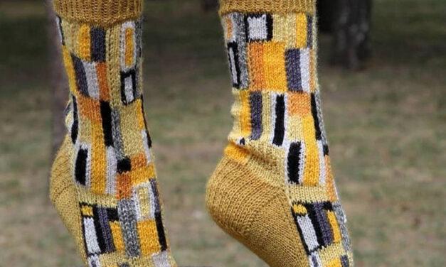 Knit a Pair of Arty Socks Inspired By Gustav Klimt