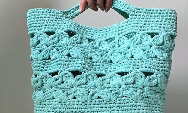 Crochet a Beautiful New Tote Designed By Tatiana of isWoolish