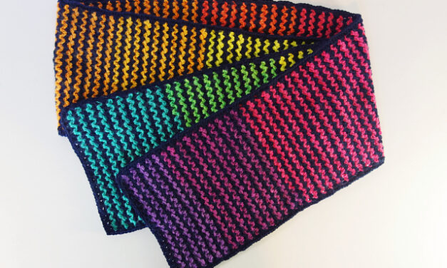 It's Crochet … Really, It's Crochet! Frankie Brown's New Lazy Vee Scarf Looks Knitted! What A Tricky Trickster!