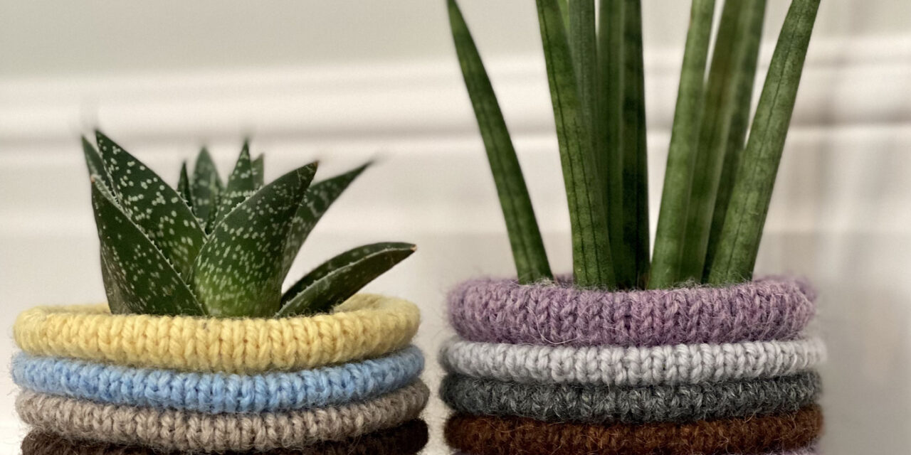 Christmas In July … Knit Up A Bunch Of These Addictive Roly Poly Pots For Everyone On Your List … The Perfect Stashbuster