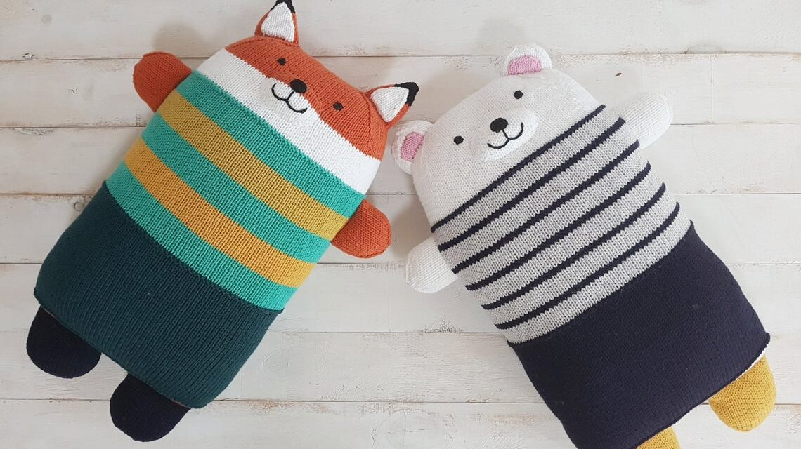 Must-Knits! These Totally Adorable Bear & Fox Pillows Are Only For The Most Knitworthy Among Us …