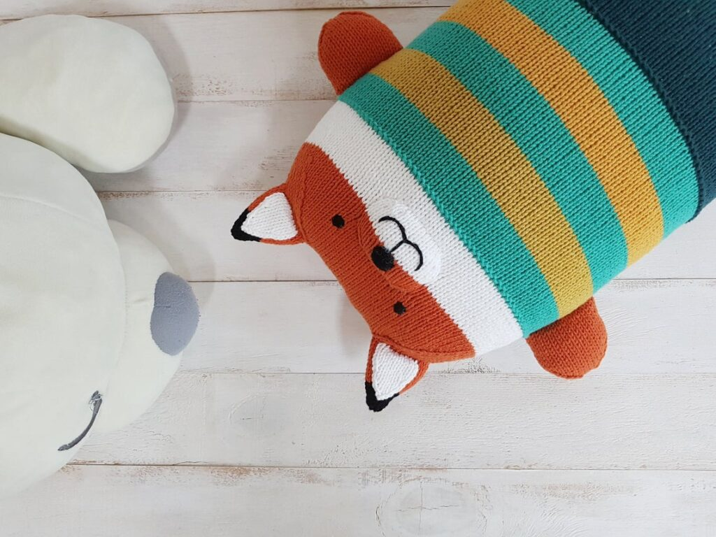 Must-Knits! These Totally Adorable Bear & Fox Pillows Are Only For The Most Knitworthy Among Us ...