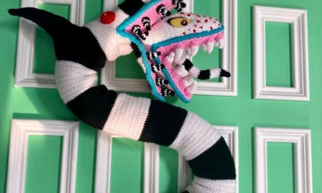 Beetlejuice Fans Will Want To Crochet This Incredible Sandworm, Pattern Masterfully Designed By Tanya Corbeil
