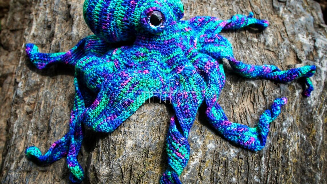 Christmas In July … This Realistic Octopus Pattern by Crafty Intentions Will Blow Your Mind!