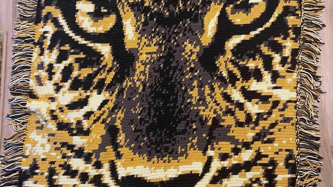 Wow! Crochet This Leopard Graphgan Lap Blanket … It's Sure To Be Legendary!