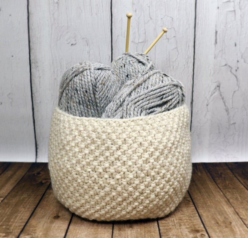 christmas in july ... knit a basket! #knitting
