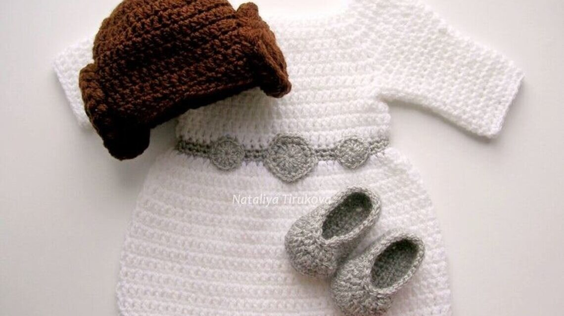 Crochet a Princess Leia Cosplay Outfit For Your Favorite Little Star Wars Fan!
