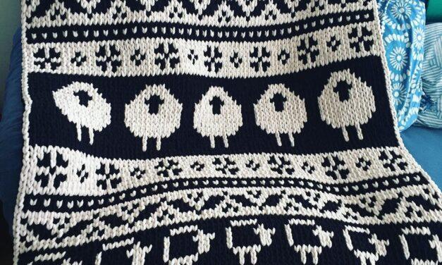 Finger Knit A Black Sheep White Sheep Scandinavian Blanket