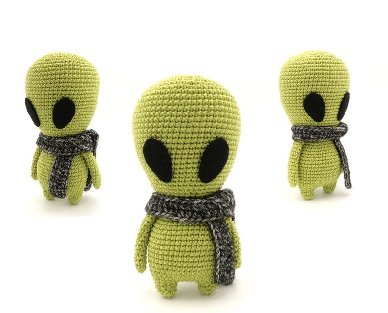 Crochet An Alien Amigurumi … The Truth Is Out There.