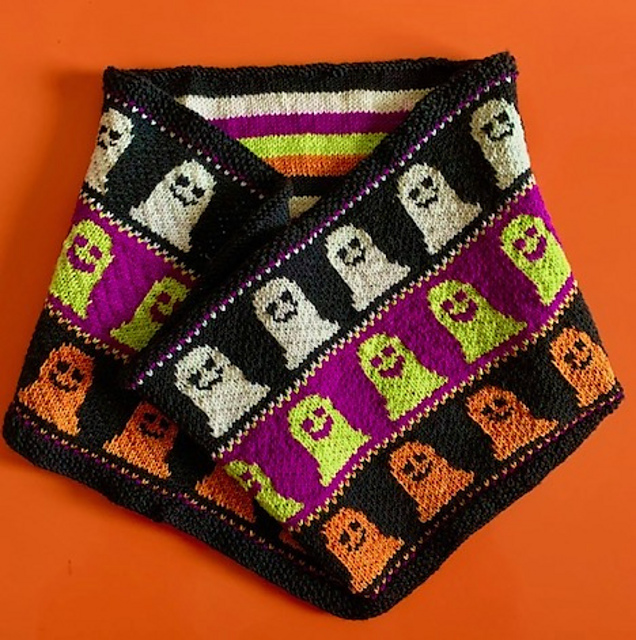 Two Boooootiful Halloween Cowls To Cast On Your Knitting Needles Today!