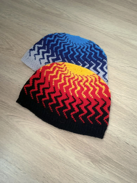 Knit a Mirage Hat Designed By Natalia Moreva, It's Squiggly!