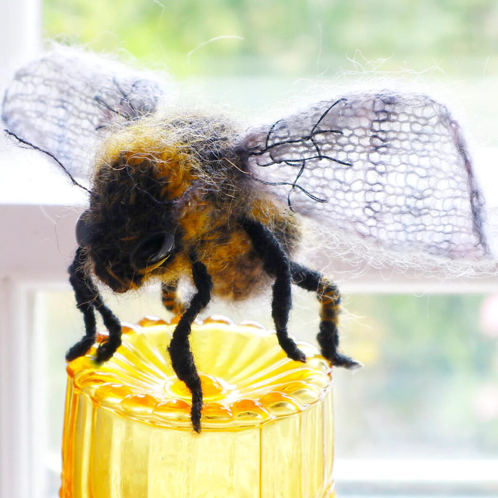 Knit A Beautiful Wee Bee Amigurumi Designed By Claire Garland ... It's Perfect!
