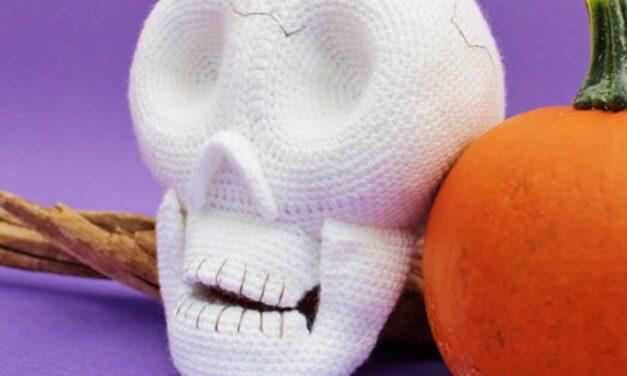 Crochet a Mister D. Ceased Creepy Skull For Halloween, Designed By Millionbells