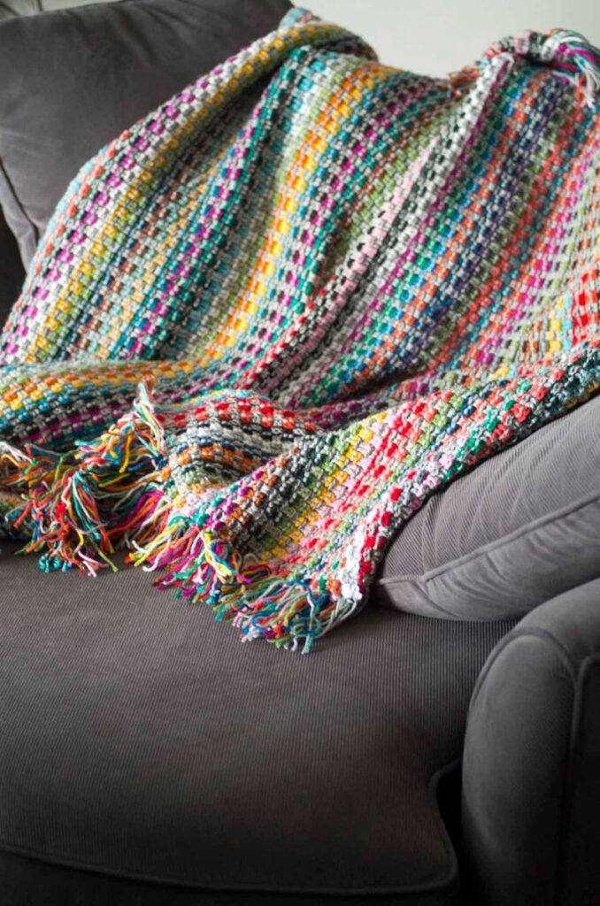 pattern by Joleen Kraft of Kraftling #knitting #crochet